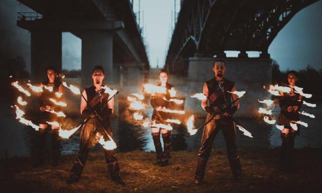 מופע האש והמים.jpg